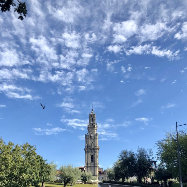 Torre dos Clérigos vista de frente. Foto: Ellen
